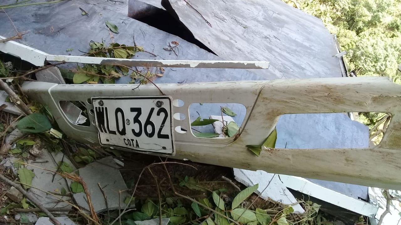 placas carro accidentado