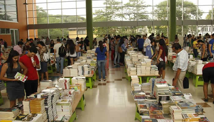 Regresa la fiesta Outlet del libro en Neiva