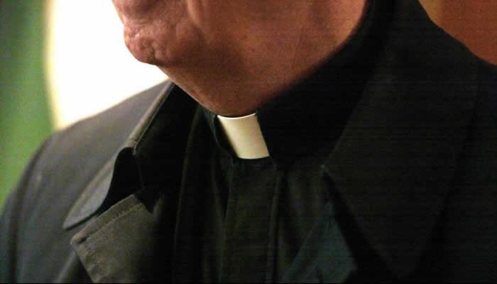 POLÉMICA Mujer denuncia haber sido violada por sacerdote en Bogotá a la edad de 10 años